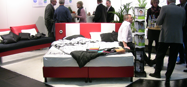 wasserbetten label mermaid an wacore verkauft. Black Bedroom Furniture Sets. Home Design Ideas
